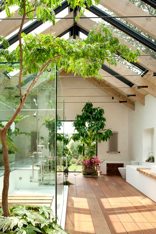 Big Glass Showers | builderonline.com | via Design-Vox.com