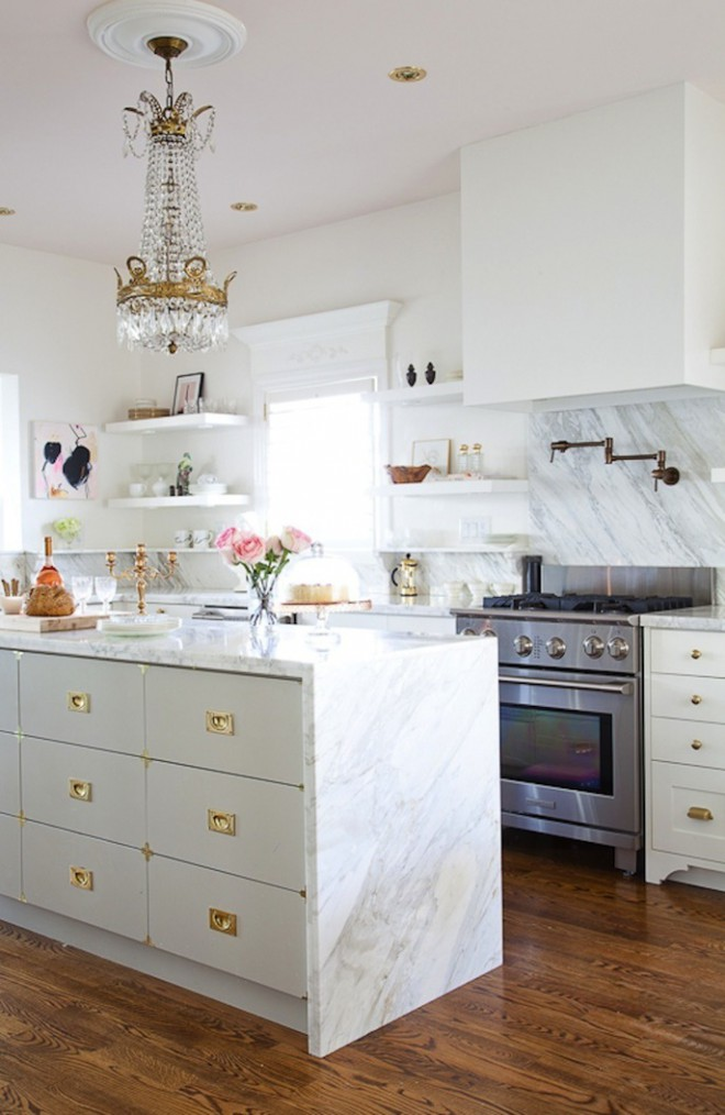 Glamorous White Kitchens | christinedovey.com | design-vox.com