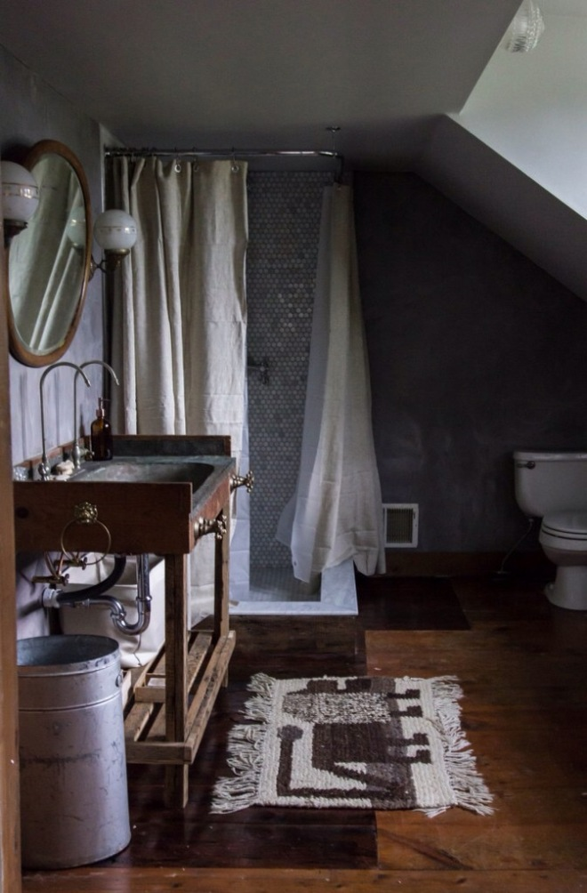 Weekend Mode with Dark and Cozy Bathrooms | jerseyicecreamco.com | design-vox.com